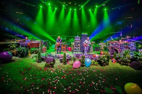 Phish – New Years Run at Madison Square Garden | VibeRight